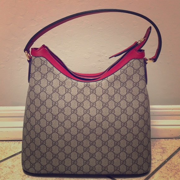 2cef93f583da Gucci Bags | Authentic Gg Supreme Large Hobo Bag | Poshmark